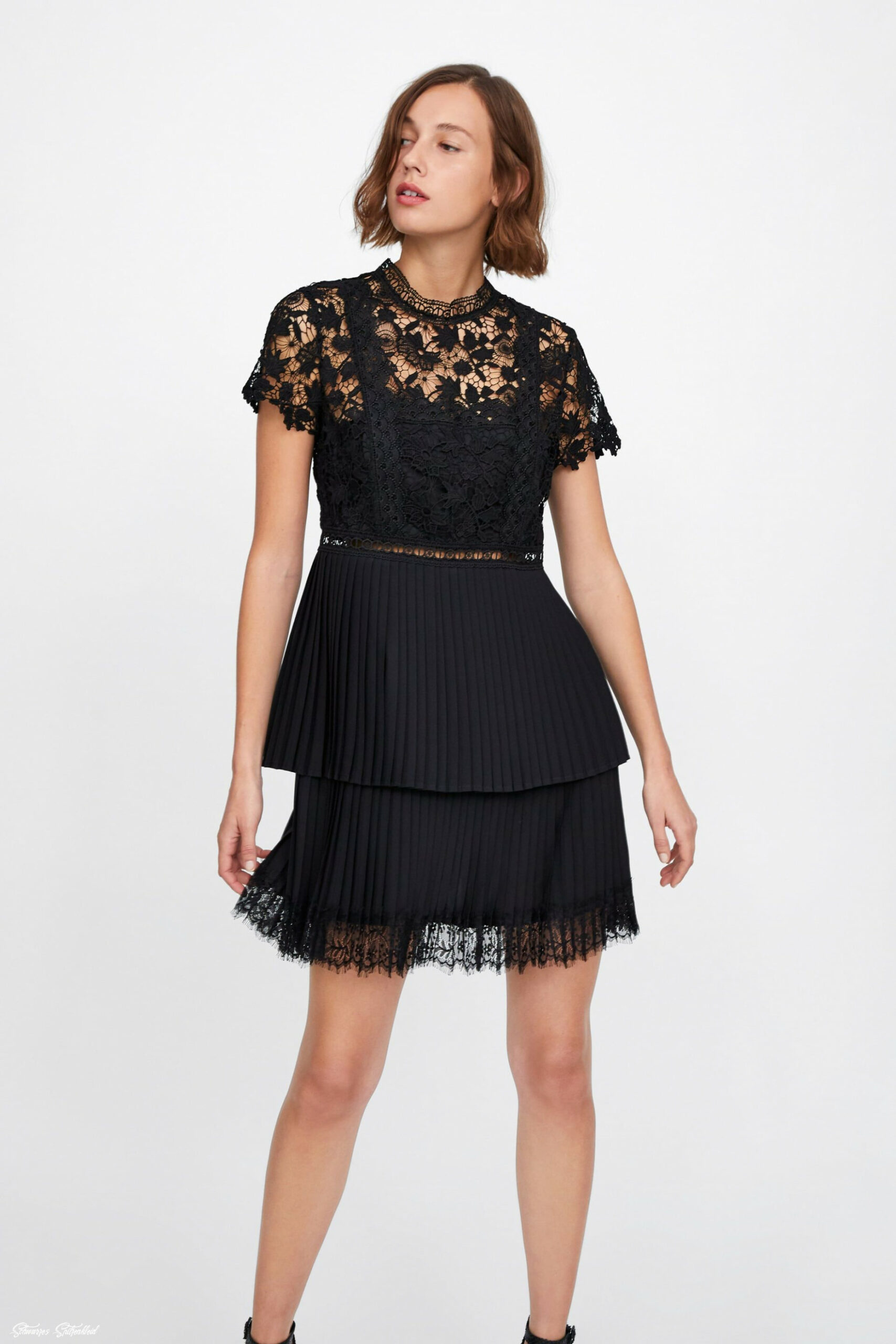 contrasting lace dress view all dresses woman zara canada