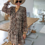 feines Kleid RIZZO - LEOPRINT - LuckyMe Online