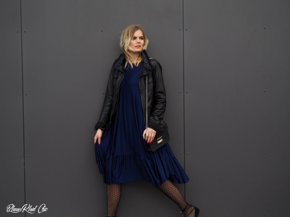 Outfit Blaues Kleid Mit Lace Up Ballerinas La Katy Fox